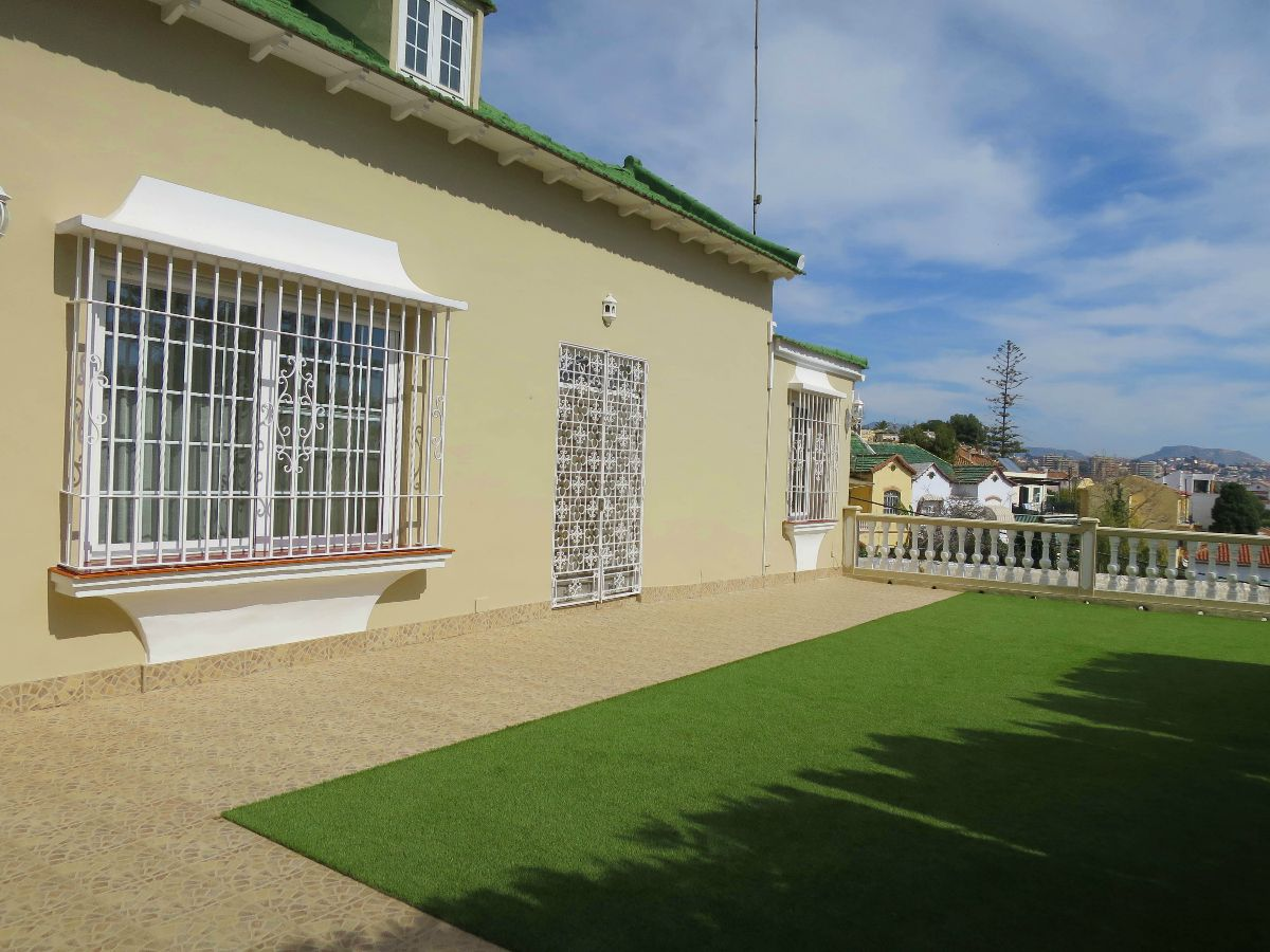 Classic Villa for sale in Banos del Carmen